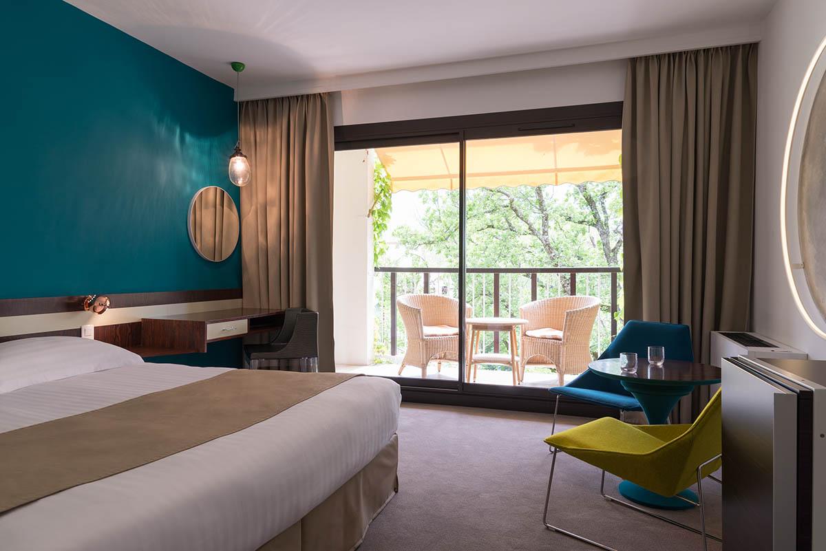Chambre grand confort à l'Hôtel Villa Borghese à Gréoux-les-Bains (04800)