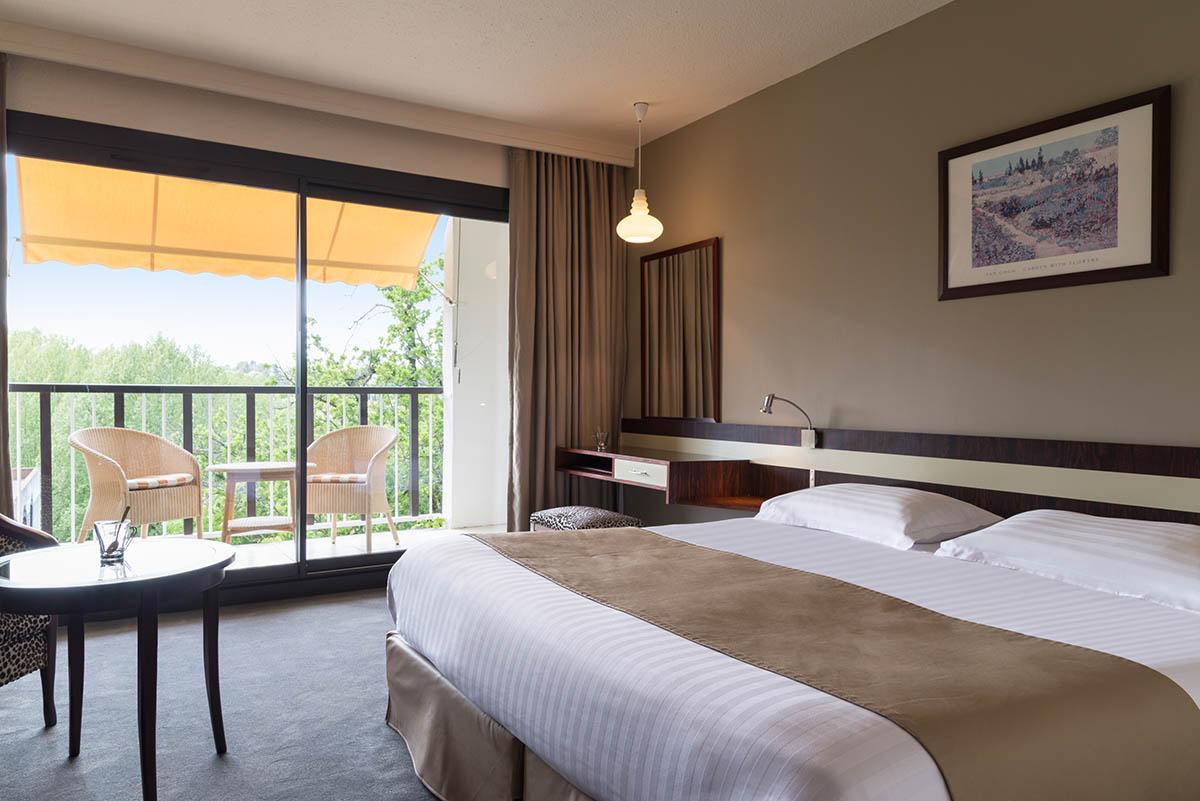 Chambre grand confort twin à l'Hôtel Villa Borghese à Gréoux-les-Bains (04800)
