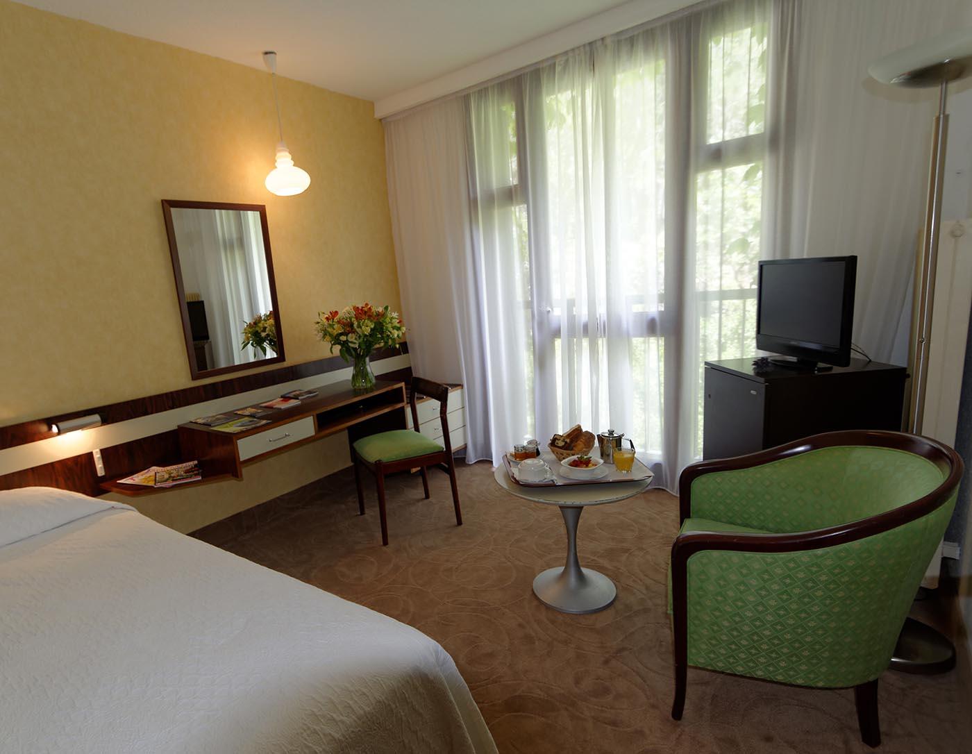 Chambre Single de l'Hôtel Villa Borghese à Gréoux-les-Bains (04800)